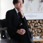袴とスーツで成人式